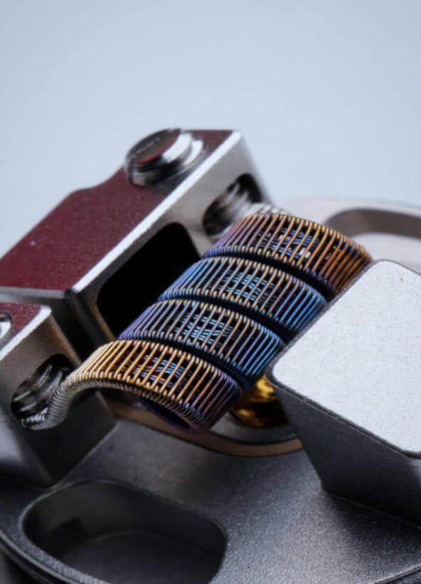 Imagem de uma bobina, um dos acessórios para vape