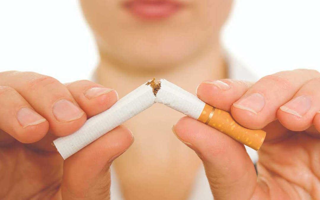 Cigarro sendo quebrado, os benefícios da Nicotina existem ?