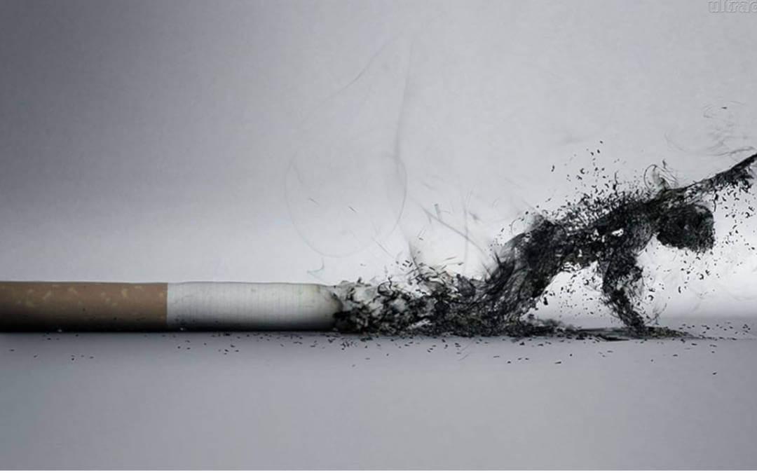 Tabagismo, fumaça do cigarro virando pessoa